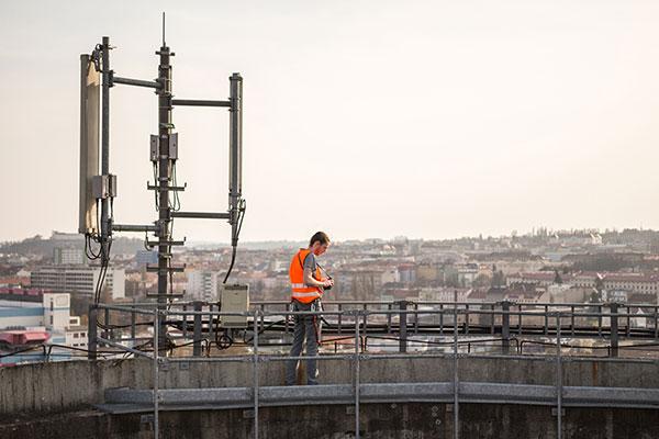 Telecoms device